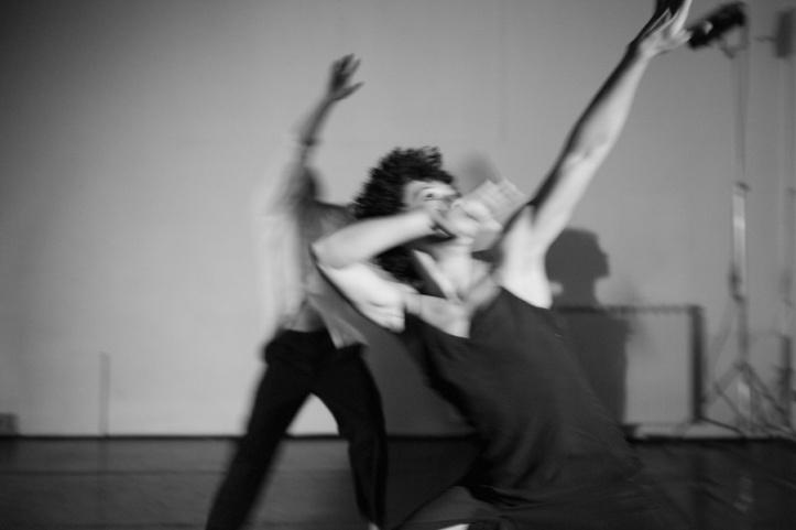 danza-a-spazio-tadini-contact-federicapaola-capecchi4