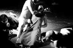 teatro-spettacolo-hybris-opus-personae- cibo_offesa_1
