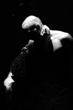 teatro-spettacolo-hybris-opus-personae_guerra