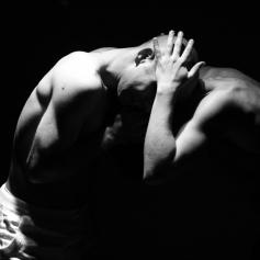 teatro-spettacolo-hybris-opus-personae_guerra_6