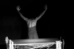teatro-spettacolo-hybris-opus-personaezingara_8